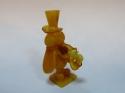 Кузнечик с саксофоном резьба из янтаря